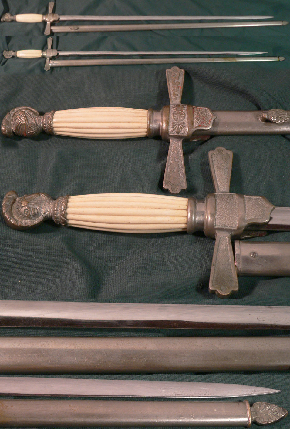 Knighthead Sword With Scabbard